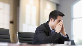هل يمكن التخفيف من حدة التوتر في بيئة العمل؟