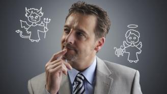 الأفراد الذين يتلاعبون بالعواطف هم من الأسوأ في العمل
