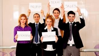 كيف يمكن الاستثمار في فريق المبيعات لإنجاح العمل الناشئ؟